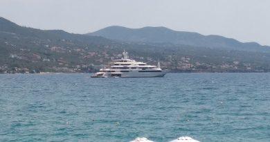 Στην Καλαματα τοsuper yacht Chopi Chopi ένα από τα μεγαλύτερα γιοτ του κόσμου.