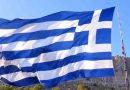 Καστελλόριζο: Κρητικός ύψωσε με γερανό ελληνική σημαία 745 τετραγωνικών μέτρων – ΒΙΝΤΕΟ
